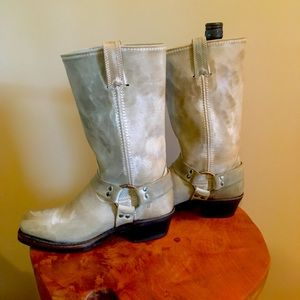 Size 8 (ladies) frye motorcycle boots